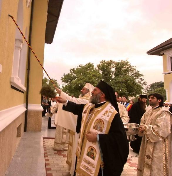 sfintire_vilele_episcop_lucian_triteanu_2009