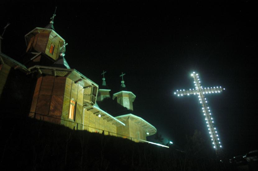 Valea Budului - cruce noaptea