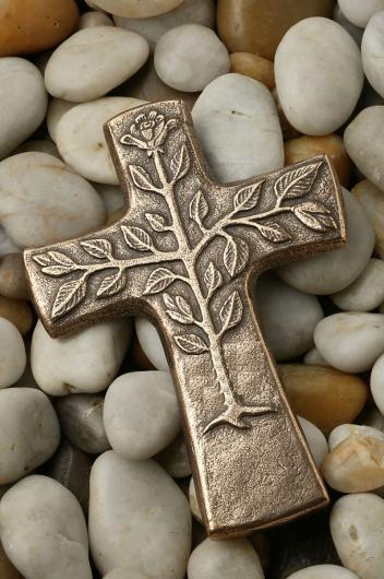 cruce-pomul-vietii_pietre
