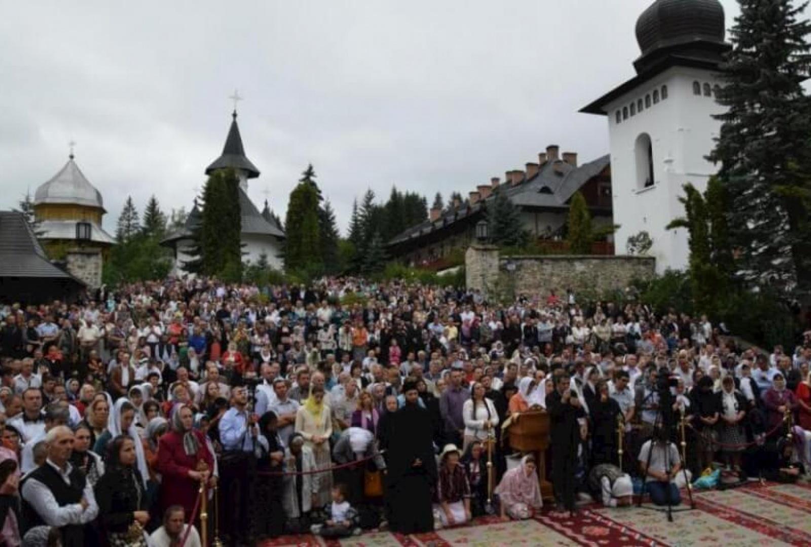 hram-manastirea-sihastria-foto-tudorel-rusu_22