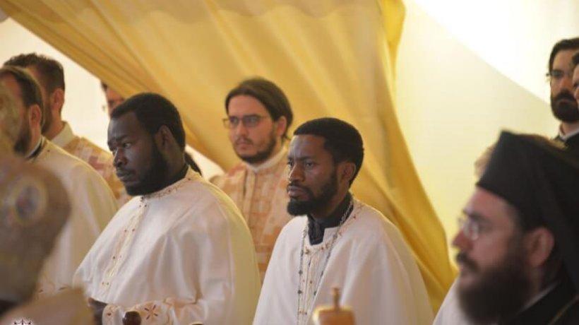 6.000_tineri_ortodocsi_la_sfanta_liturghie_de_la_catedrala_mitropolitana_din_iasi_38