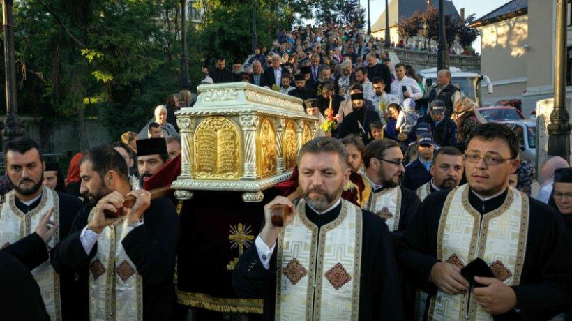 procesiune-piatra-neamt_foto-oana-nechifor-3_w2000_h1333_q100