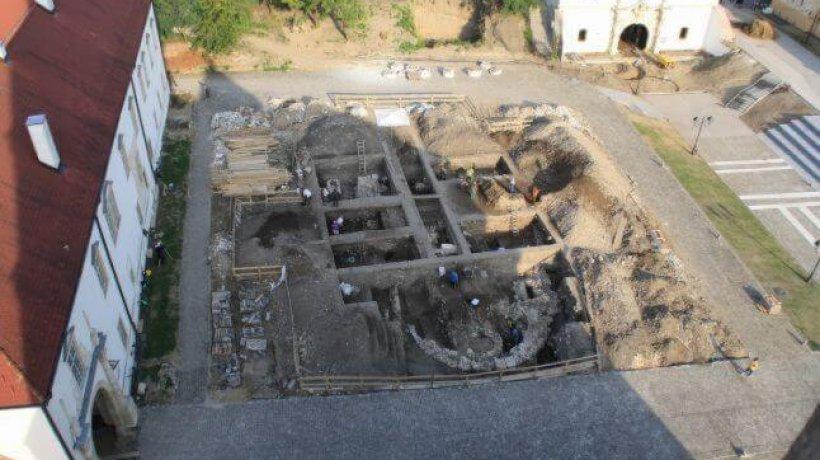 biserica-alba-iulia-4.x71918