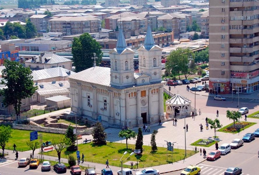 biserica-catedrala-sf-nicolae-bacau_w1000_h649_q100