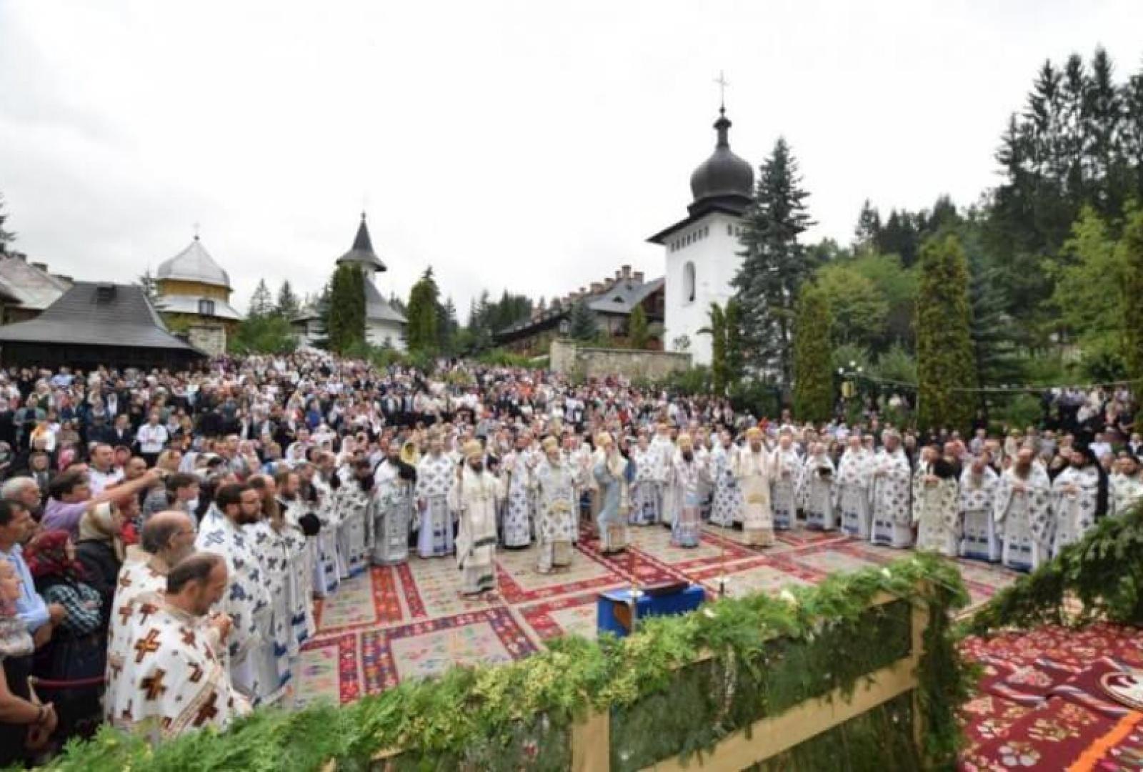 hram-manastirea-sihastria-foto-tudorel-rusu_7