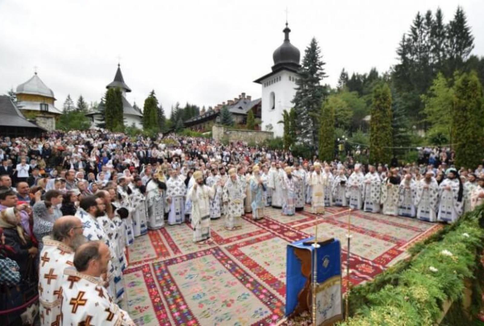 hram-manastirea-sihastria-foto-tudorel-rusu_8