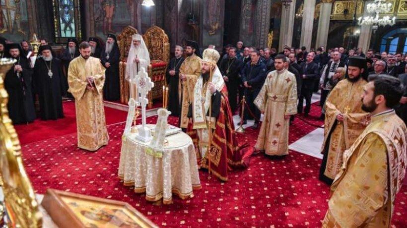 rugaciuni-inainte-de-intrunirea-adunarii-nationale-bisericesti-slujba-ceasurilor-si-te-deum-in-catedrala-patriarhala-1