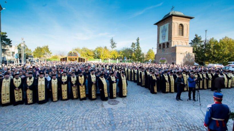 liturghie-hramul-catedralei-105.x71918