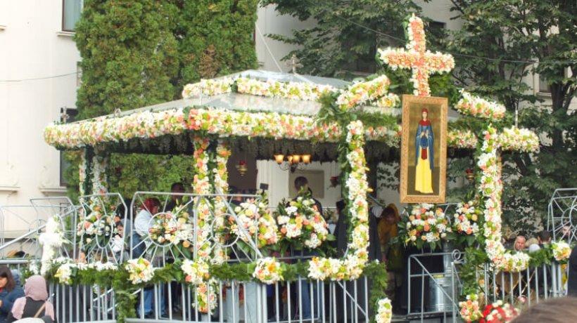 Basilica-Travel-propune-un-pelerinaj-de-3-zile-cu-prilejul-sărbătorii-Sf.-Parascheva