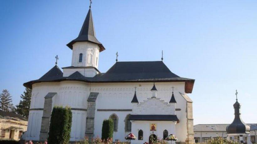 catedrala_roman_sf-parascheva-4