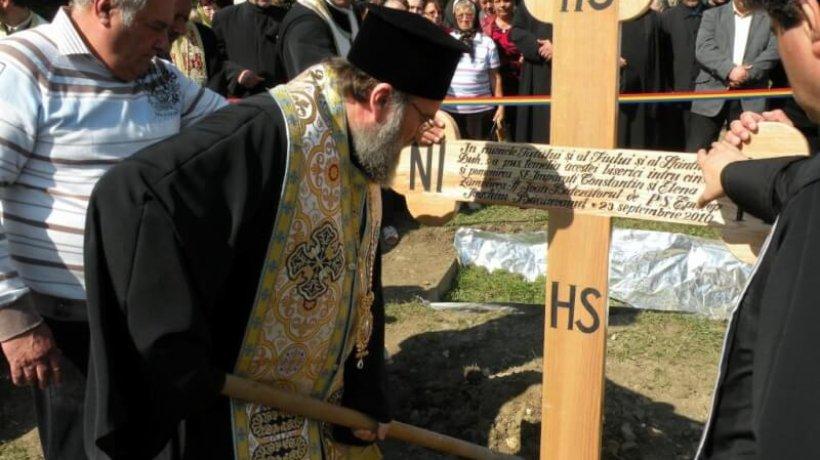 2010-dscn3647-piatra-de-temelie-oituz-manastirea-calatorilor